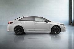 MIV_Toyota_Corolla_Sedan_5