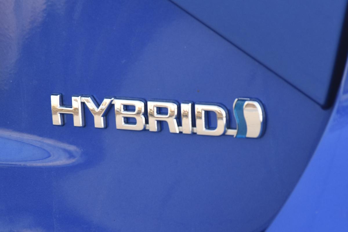 MIV_Toyota_Yaris_Hybrid_12