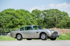 Aston_Martin_DB5_4
