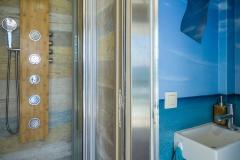 MIV_truck-surf-hotel_8