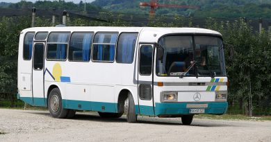 Sanos S 311 – starodobnik, a še vedno vozi delavce